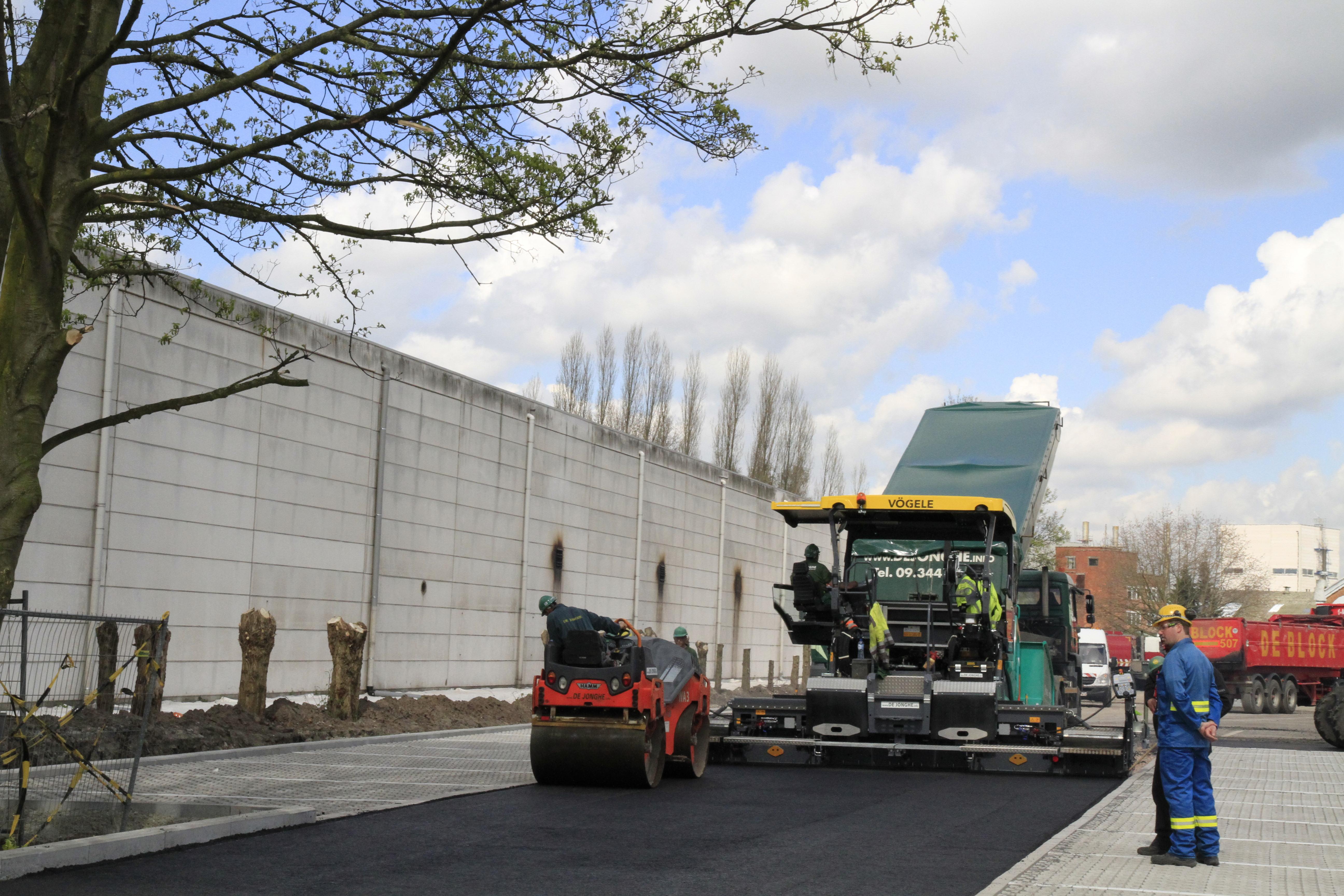 Tuin Asfalteren Kosten : Ingebruikname nieuwe asfalteermachine de jonghe eeklo